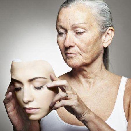 Древний народный рецепт от старости. Очень эффективный и эстетичный. Принимая это средство, вы станете молодеть прямо на глазах!