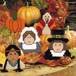 Use these unique Thanksgiving Traditions Plastic Canvas magnets from Leisure Arts to present a historical tribute to Thanksgiving.
