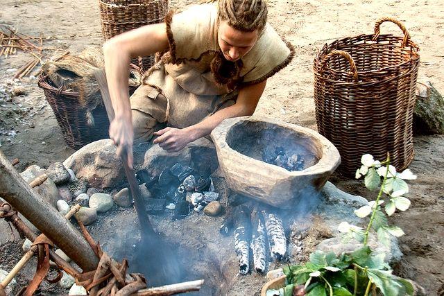 Prehistoric Cooking  Hace 6000 años, cocinar ya era un arte