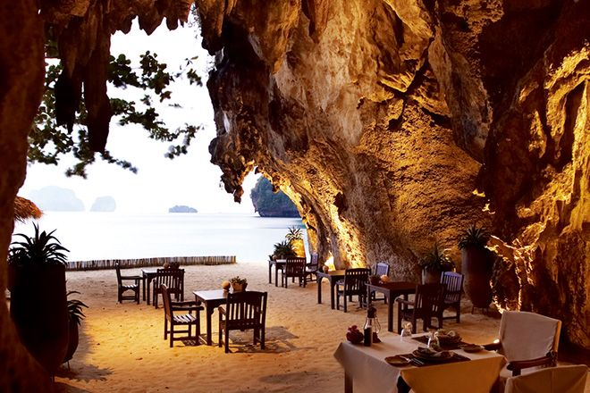 [ディナー]彼の冒険心もくすぐる!? 秘境の洞窟レストラン。