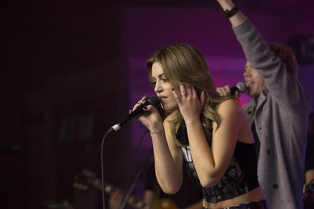 Carly McKillip from One More Girl performing with Wes Mack at the Ranch Roadhouse on Bar Night at the 2014 CCMA Awards