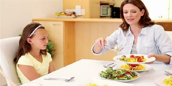 Πώς να προλάβετε διατροφικές διαταραχές και παχυσαρκία στην εφηβεία