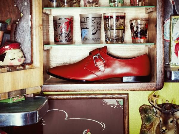 Get the inside look on Fall's best flats. Ballets, loafers, skimmers and slippers.