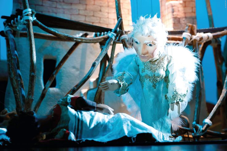 In sechs Akten wird der biblischen Geschichte über die Geburt Jesu die unverwechselbare Magie des traditionellen Marionettentheaters eingehaucht. Wir zeigen euch den Trailer! Die Weihnachtsgeschichte der Augsburger Puppenkiste ➠ https://www.film.tv/go/35521  #Weihnachten #AugsburgerPuppenkiste #Xmas