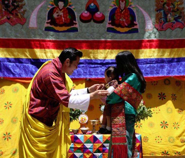 Dragon Prince Jigme Namgyel Wangchuck compie un anno il 5 febbraio. Per festeggiare il piccolo principe azzurro del Bhutan la testata di stato The Bhutanese Soul ha realizzato un calendario con le immagini del bambino. (Foto The Bhutanese Soul)