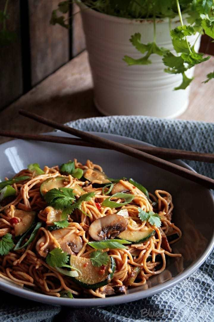 Asian Peanut noodles with Zucchini and Mushroom
