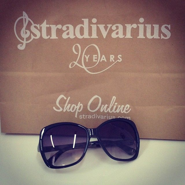 stradivarius must have item!!! So excited for my new fashion forward sunglasses