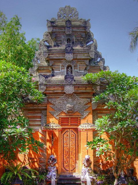 Ubud Palace Gate - Ubud, Bali, Indonesia. Don't forget when traveling that electronic pickpockets are everywhere. Always stay protected with an Rfid Blocking travel wallet. https://igogeer.com for more information. #igogeer