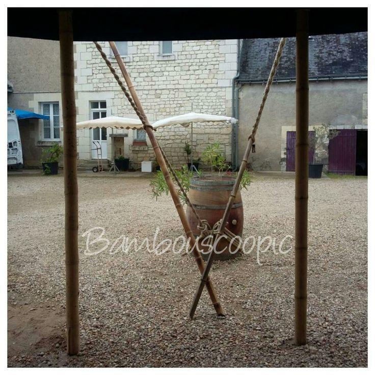 chapiteau bambou. Evenement Reception.Le Chapi-Bleu lesté par des tonneaux de vins. Bambouscoopic chez Mr Rouet.