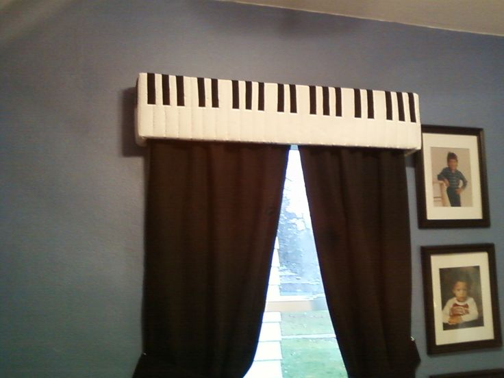 Great idea for a music lovers room.