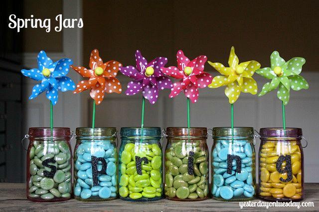 Mini Mason Jar Spring Sign #masonjarcrafts #springcrafts