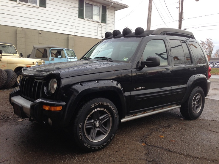 best 25 jeep liberty renegade ideas on pinterest 2005. Black Bedroom Furniture Sets. Home Design Ideas