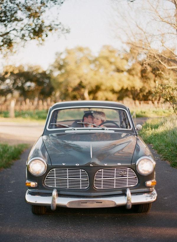 Vintage Photo Shoot by Elizabeth Messina + Lisa Vorce + Mindy Rice