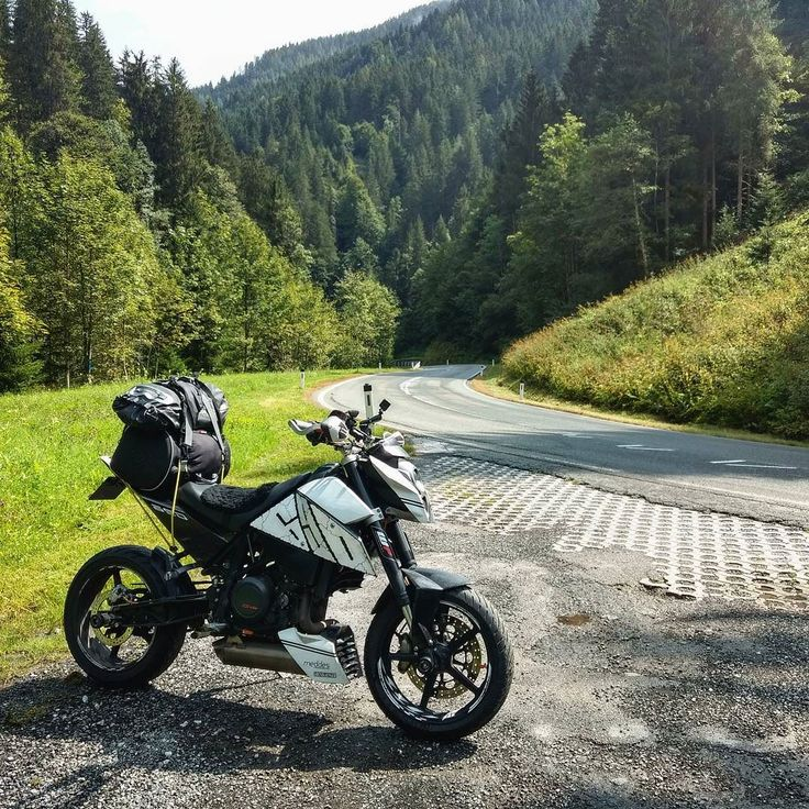 Started the day off on some scenic and twisty all be it damp roads #ktm #690 #duke #ktmduke #dukearmy #ktmduke690 #duke690 #690duke #ktm690 #lc4 #myktm #streetbike #nakedbike #bikepic #bikeporn #trip #tour #touring #travel #traveling #adventure #austria #mountains