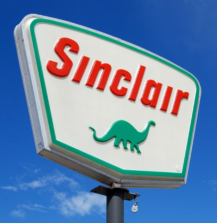 the californian i married u003c3 loves sinclair signs and the dinosaur figure they remind him of the west and his childhood old gas pinterest gas