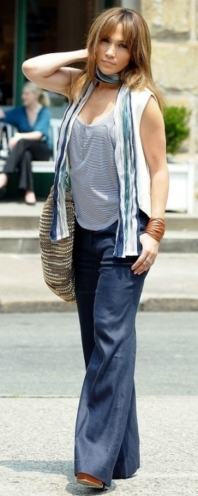 Jennifer Lopez/The Back Up Plan...love this look! It's so mommy on the go.
