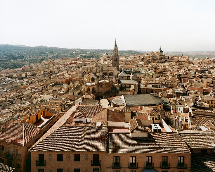 Sze Tsung Leong  -  Toledo, 2009,  From the series Cities,  Chromogenic Color Print.