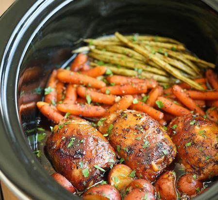 Slow Cooker Chicken Garlic-Honey on Vegetables3