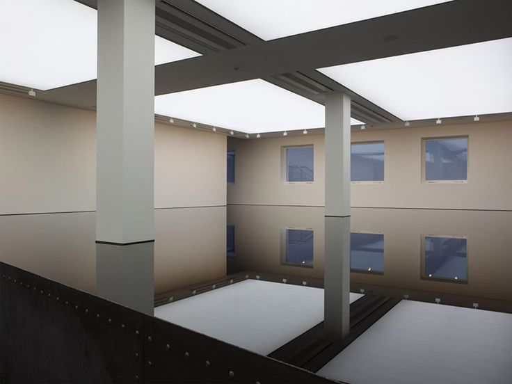Richard Wilson 20:50 Site Specific Oil Installation: 1987, used sump oil and steel