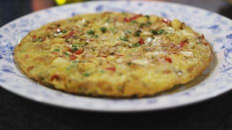 Eén - Dagelijkse kost - aardappeltortilla met ui en paprika