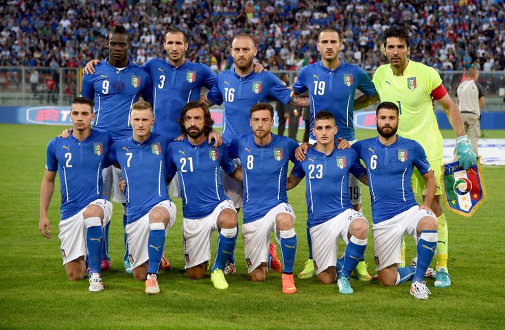 Italy v Luxembourg - Pictures - Zimbio