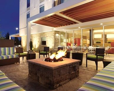 Home2 Suites by Hilton Bellingham Airport Hotel, WA - Fire Pit in Patio