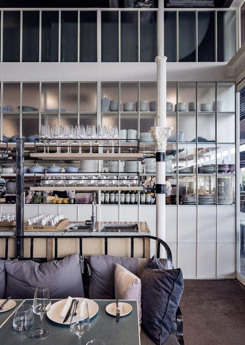 https://i.pinimg.com/736x/23/2f/00/232f00248d45fd2bc674b340e6d4148c--restaurant-interiors-restaurant-bar.jpg