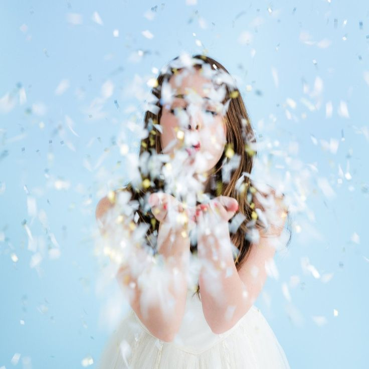 White Metallic Confetti Bomb – Lucky Lulu Party Shop