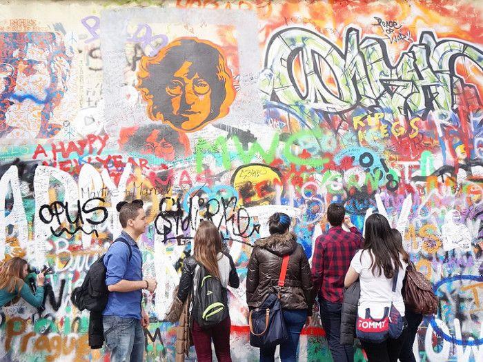 En vuestro viaje a Berlín no os podéis perder el recorrido por el Muro de Berlín y sus pintadas, ¡alucinante!