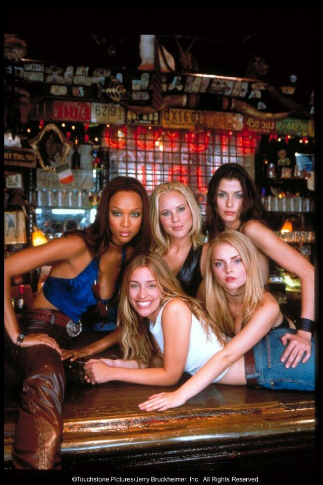 The staff of Coyote Ugly Tyra Banks, Maria Bello, Izabella Miko, Bridget Moynahan, Piper Perabo Characters: Lil, Violet Sanford, Rachel, Zoe, Cammie