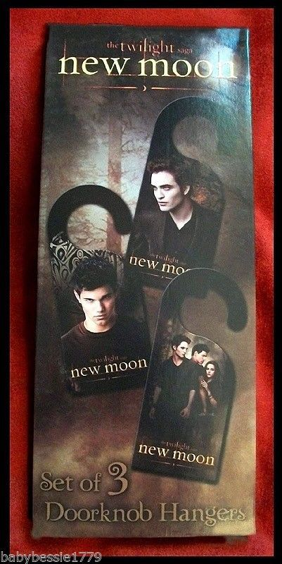 Twilight Saga New Moon Set of 3 Doorknob Hangers - Edward,Jacob,Bella NEW/NECA