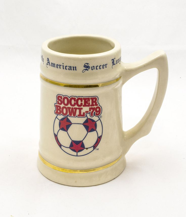 Mug commemorating Soccer Bowl 1979, the championship final of the North American Soccer League (The FIFA-Langton Collection @ the NFM).
