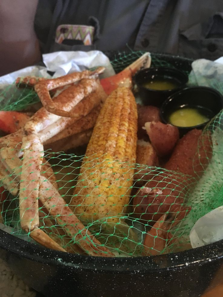 https://flic.kr/p/V7W15H | c2017 May 30, Joe's Crab Shack Memphis, TN | c2017 May 30, Joe's Crab Shack Memphis, TN