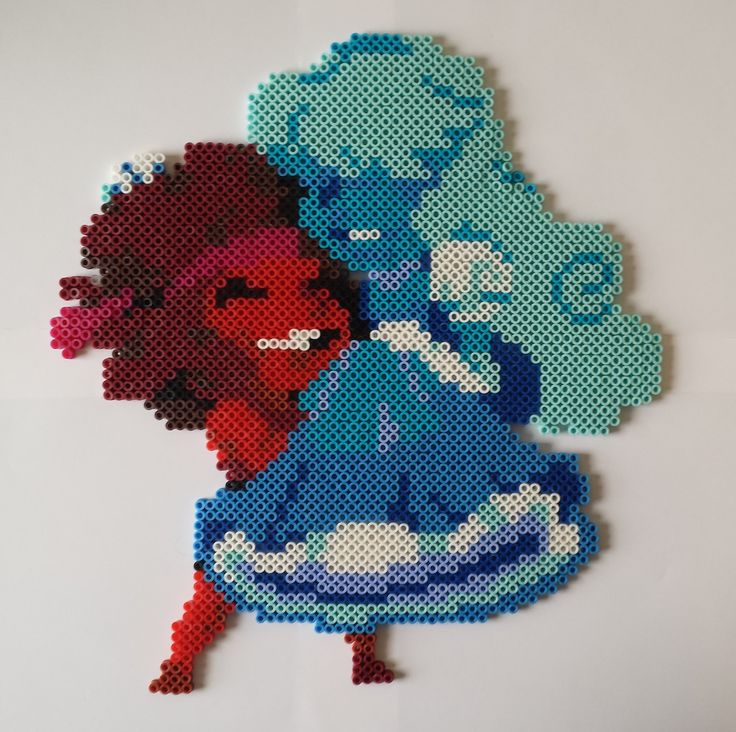 Ruby and Sapphire from Steven Universe ! A beadsprite of a pixel sprite by professionalmanlyguy69 on tumblr.
