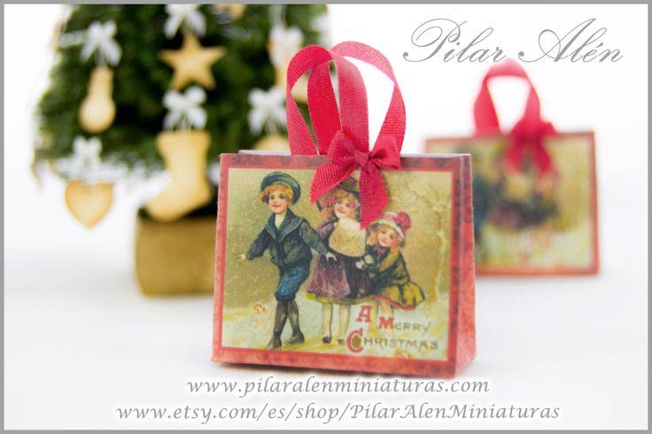 Bolsa de compras navidad vintage, papel, victoriana, roja, escala 1/12. Casa de muñecas. de PilarAlenMiniaturas en Etsy