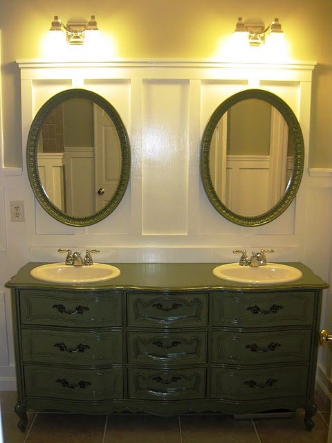 I WANT! Vanity from a thrifted dresser!