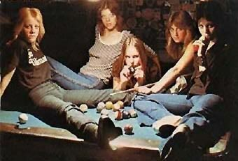 76 Best The Runaways Images On Pinterest Rock Chick