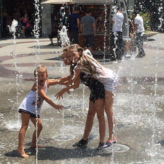 LOURDES, LILY-ELLA & LEXIE GERRARD - 07/30/2016  WATER FUN IN LA