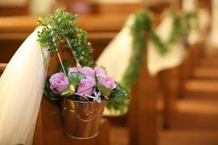 Google Image Result for http://www.flower-arrangement-advisor.com/images/pew_decorations.jpg
