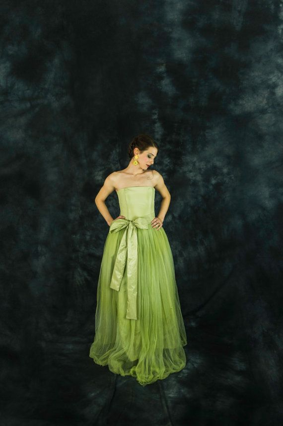Lime green bridesmaid or prom dress - tulle - strapless by Ela Siromascenko, based in Milan, Italy, and selling on Etsy