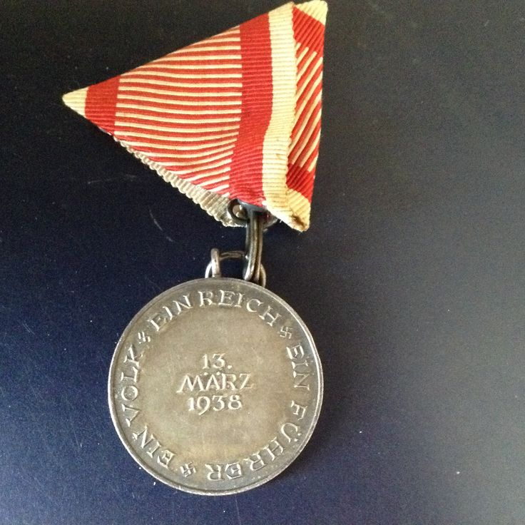 Eligibility: Military personnel, members of the Austrian branch of the NSDAP, others  Awarded to all German military personnel who participated in the march to Austria, members of the Austrian branch of the NSDAP and other Austrians who contributed to the Anschluss.  Campaign(s)	Interwar period Statistics Established	May 1, 1938 First awarded	May 1, 1938 Last awarded	December 13, 1940  * ribbon incorrect: Austria colors      *Coleção pessoal