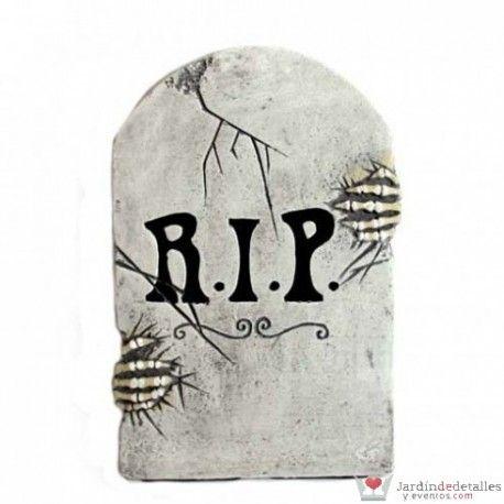 Divertida lápida para Halloween. Fácil de poner en cualquier sitio. #Halloween #DecoraciónHalloween