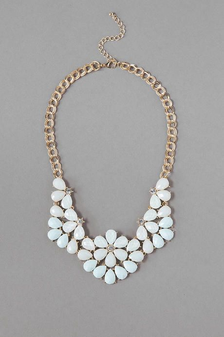 Rockville Statement Necklace in Mint - Francescas