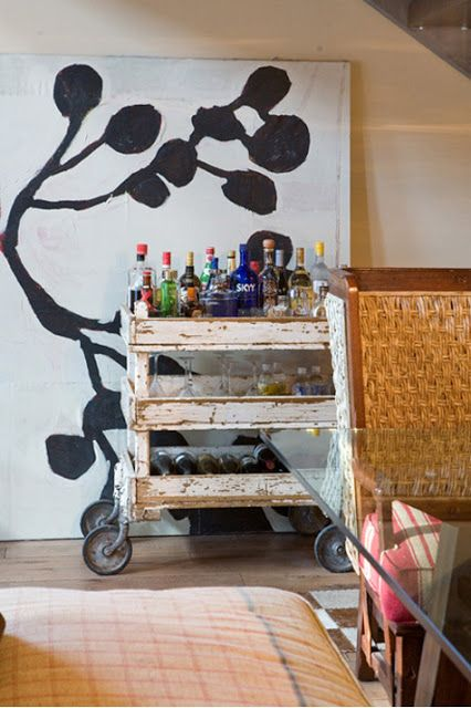 Deco Anakyklosis: Repurposed Bar Cart