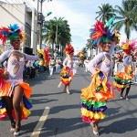 La Feria De Cali es una de las celebraciones más importantes de nuestro país. Se celebra del 25 al 30 de Diciembre, justo después de noche buena, y ofrece a propios y a extraños variedad de actividades para disfrutar durante los 6 días que dura la feria como cabalgatas, su temporada taurina, la variedad de conciertos, los bailes, las rumbas y deliciosa comida.
