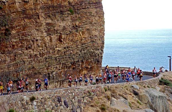 Two Oceans Marathon - The world's most beautiful marathon, Cape Town, South Africa. Run it!!