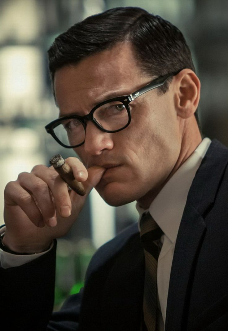 Luke Evans from the BBC Great Train Robbery-love the specs