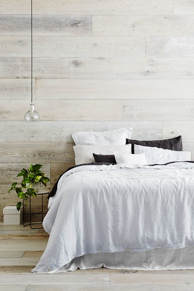 25 best white wood walls ideas on pinterest white washing wood white stain and wood panel walls - Tapisserie chambre adulte ...
