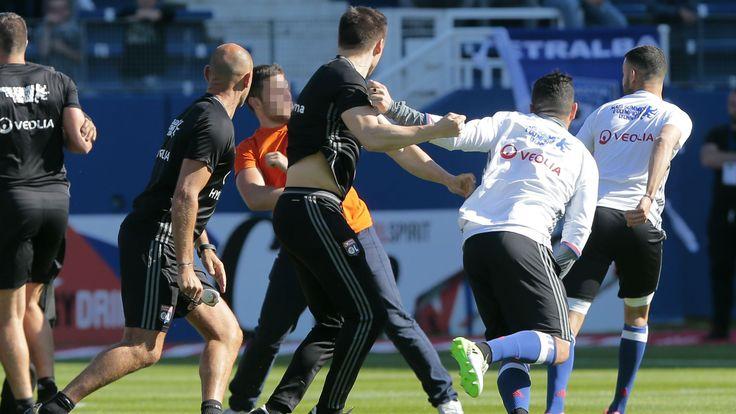 Le Sporting Club de Bastia a condamné dimanche soir les incidents survenus lors du match face à l'OL à Furiani.