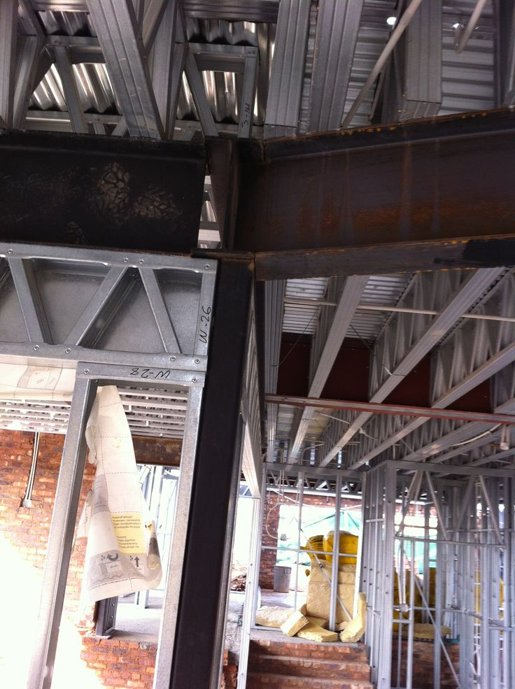 Steel Frame House - a look at what the slab looks like from below (08/09/12)